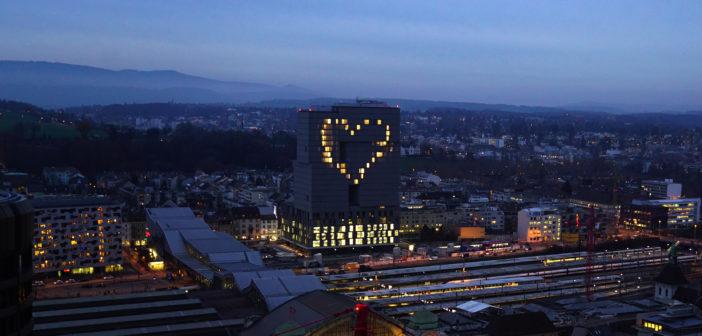 Meret Oppenheim Hochhaus schenkt den Baslerinnen und Basler ein Herz