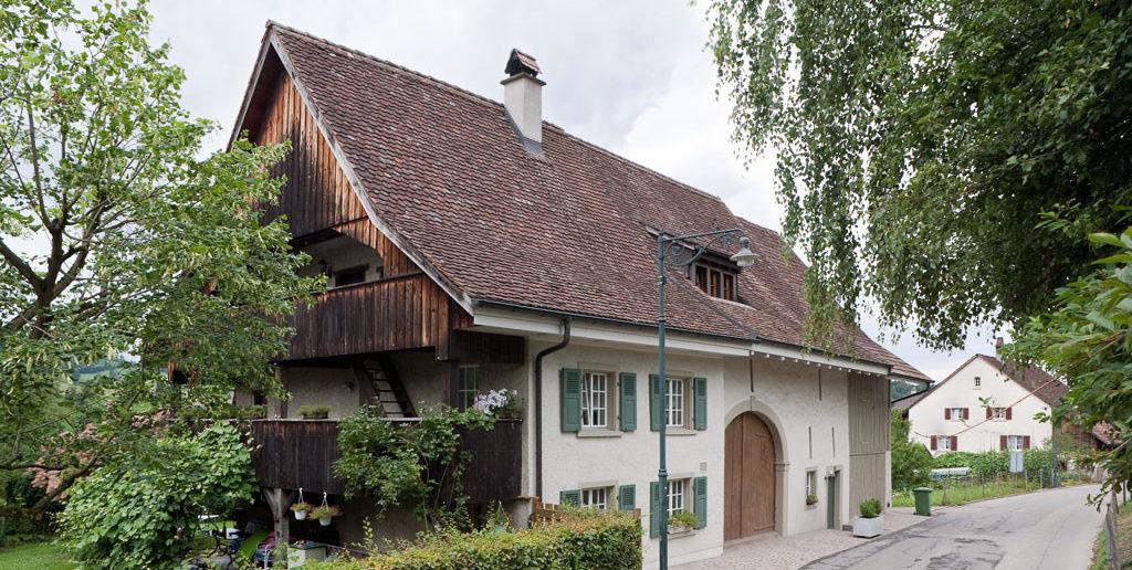 Wohn- und Ökonomieteil mit angebauter Wagenscheune, 1820, Hauptstrasse 30, Arisdorf © Börje Müller Fotografie