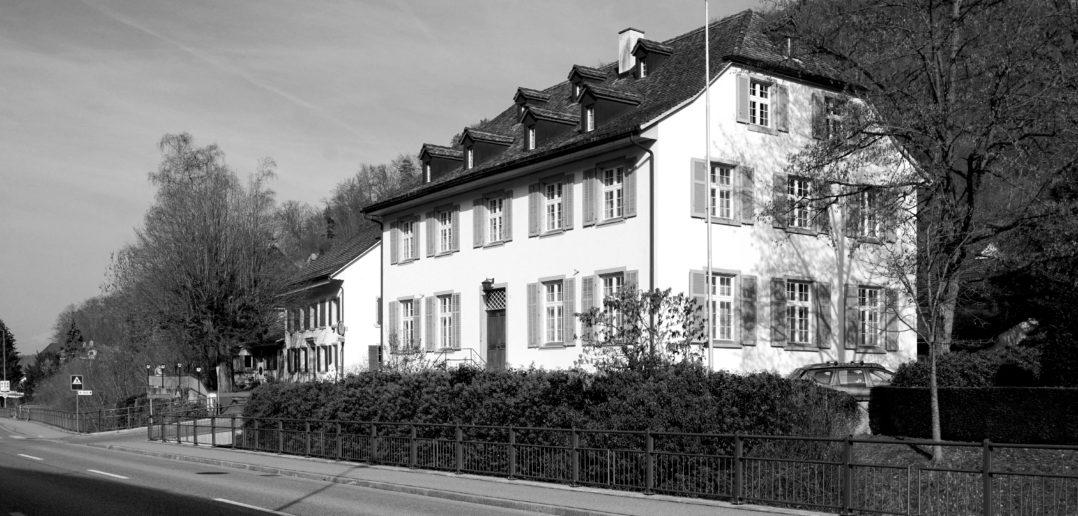 Das Gebäude wirkt heute noch sehr präsent. © Samuel Borer