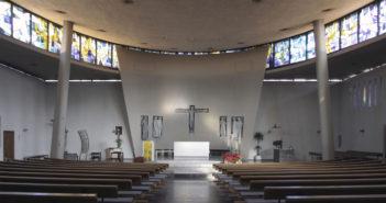 Geschwungener Innenraum, Römisch-katholische Kirche Bruder Klaus, Liestal © Simon Heiniger / Architektur Basel