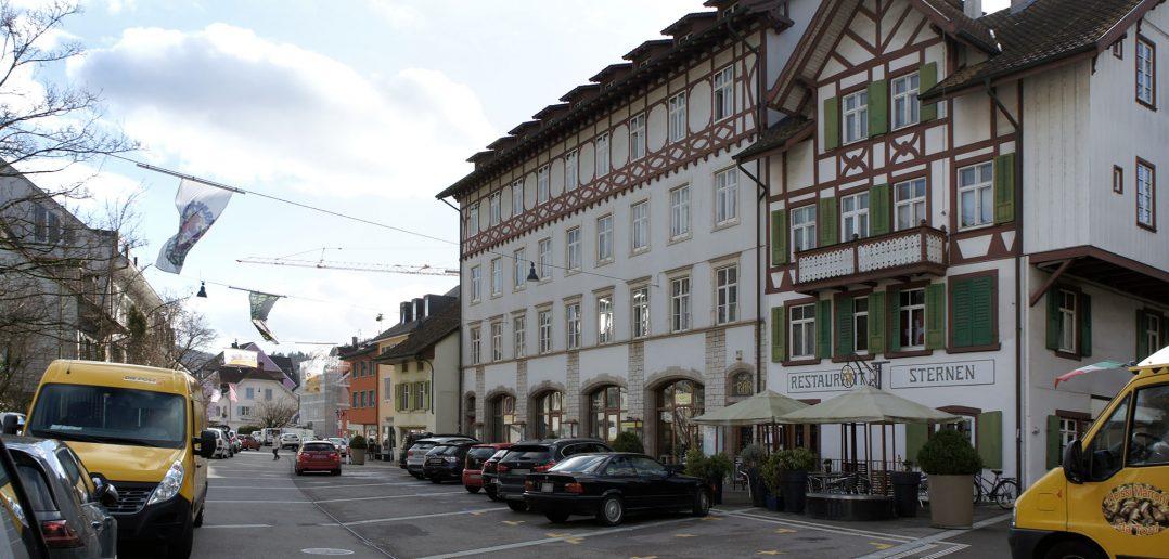 Ehemaliges Warenhaus «Cheesmeyer», Verkehrsberuhigte Hauptstrasse, Sissach © Architektur Basel