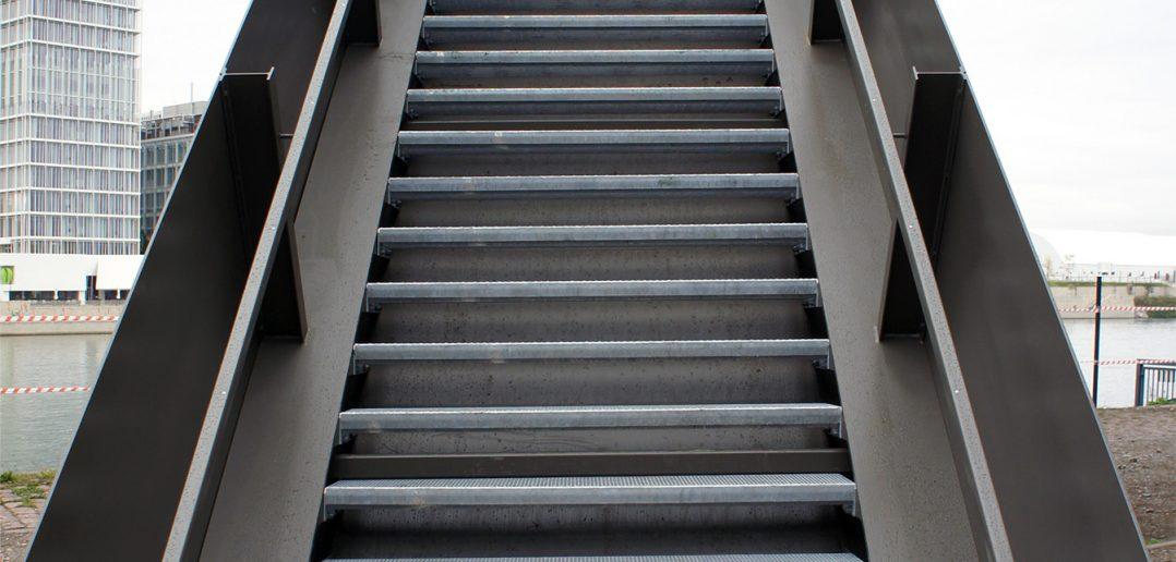 Neue Treppe zur Plattform © Architektur Basel