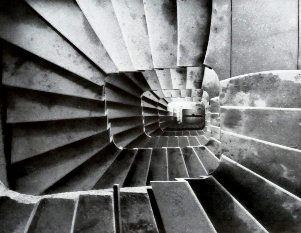 Das Auge einer Nebentreppe im Bettenhaus © Paul Butscher