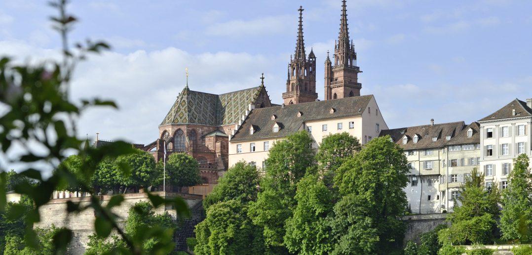 Über Jahrhunderte zentraler Bestandteil der Grossbasler Rheinfront: das Münster. Foto: Kantonale Denkmalpflege Basel-Stadt, Klaus Spechtenhauser