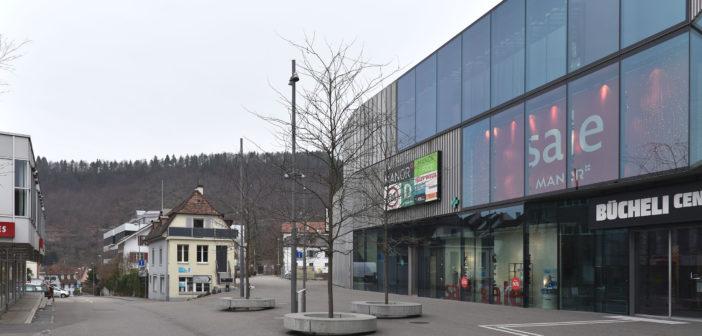 Werbung – wo bleibt das Gebäude?, Bücheli-Center, Liestal © Architektur Basel