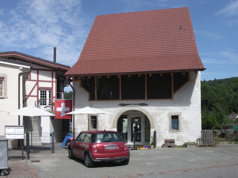 Die Kindertagesstätte in der renovierten Scheune nimmt ihren Betrieb auf © Bonauer Architekten AG