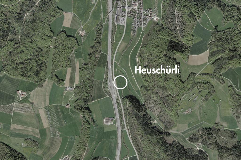 Heuschürli, Tenniken (bearbeitet), Grundlagen Luftbild © Bundesamt für Landestopografie swisstopo