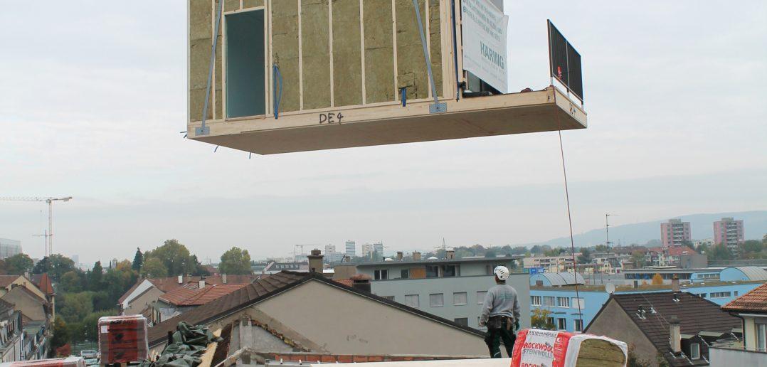 Holz-Modul im Anflug: Alles Gute kommt von oben...
