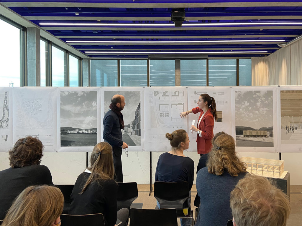 Spannende Diskussion am Plan… © Architektur Basel