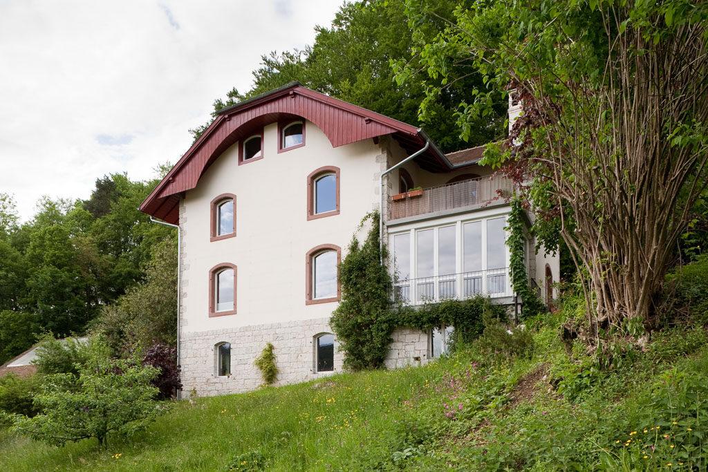 Wohnhaus ehemaliges Sanatorium Erzenberg, Langenrbuck © Börje Müller Fotografie