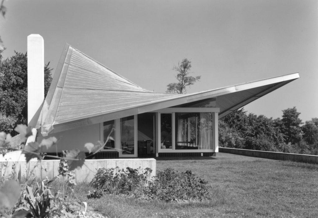 Felix Schwarz, Rolf Gutmann, Haus Vischer, Hégenheim, Haut-Rhin (F), 1960/61. Die extravagante Dachkonstruktion stammt von Ingenieur Heinz Hossdorf. Foto: Alexander von Steiger
