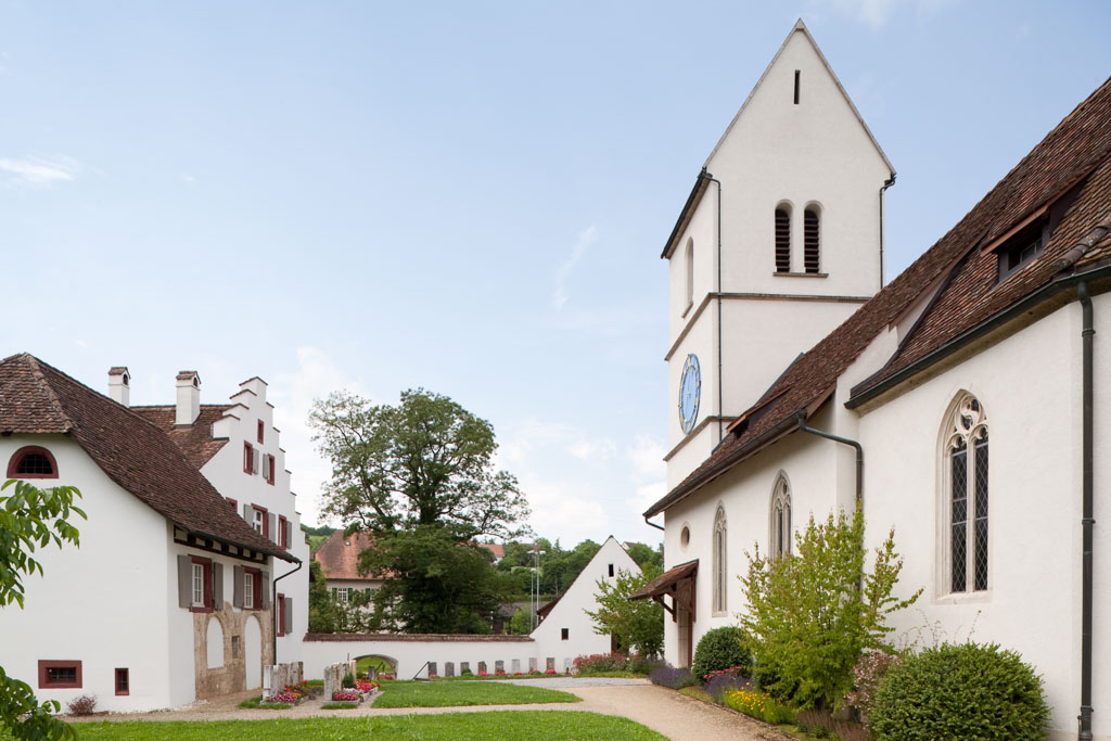 Kirche, Pfarrhaus und Pfarrscheune, Oltingen © Börje Müller Fotografie