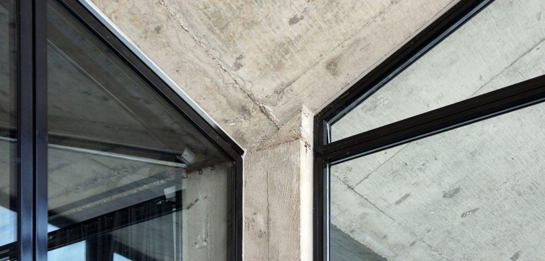 Robust und pragmatisch zugleich: Verbindungsdetail der Maurerhalle © Architektur Basel