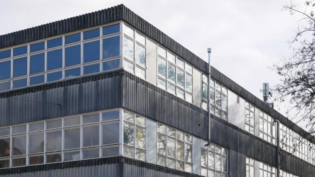 Schreinereigebäude (1959) der Voellmy AG von Heinz Hossorf © Architektur Basel