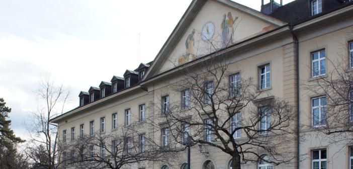 Eingangsfassade mit Mittelrisalit, Ehemaliges Kantonsspital, Liestal © Architektur Basel