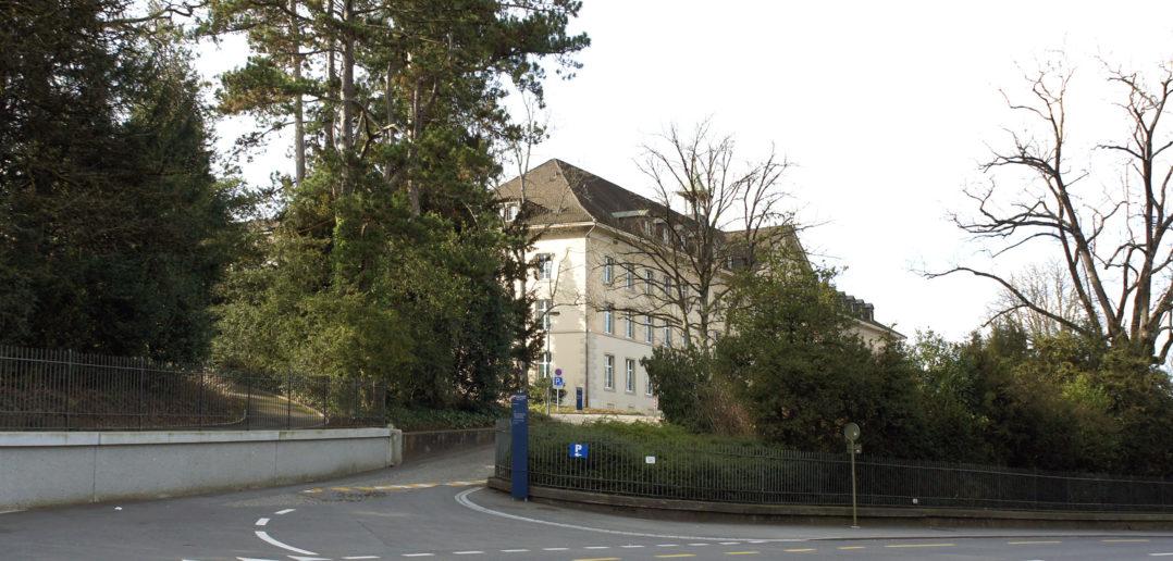 Zugang oberhalb der Rheinstrasse, Ehemaliges Kantonsspital (1854), Liestal © Architektur Basel