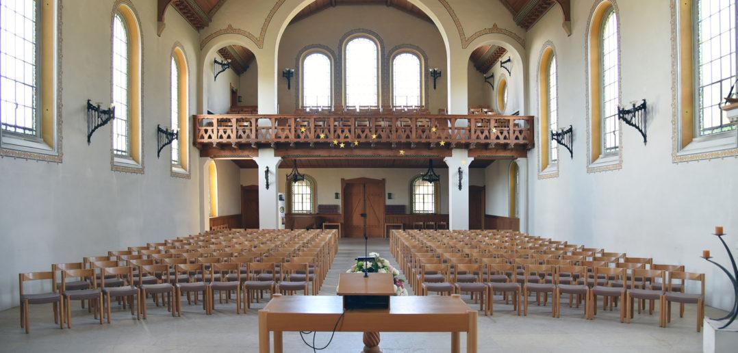 Innenraum mit Empore, Reformierte Kirche Arlesheim © Simon Heiniger / Architektur Basel