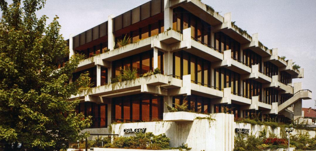 Viel Beton und Glas, aber auch viel Grün, Bild: Burckhardt+Partner AG Architekten Generalplaner