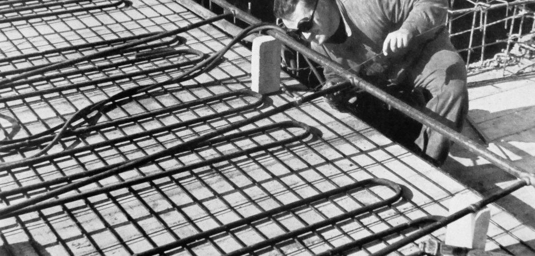 Schweissen der Vorlaufleitungen Deckenheizung © Paul Butscher