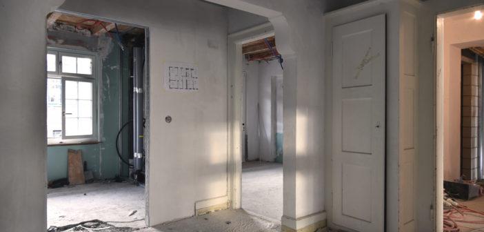 Ein wunderbarer Eingangsraum bildet das Zentrum der Wohnung © Simon Heiniger / Architektur Basel