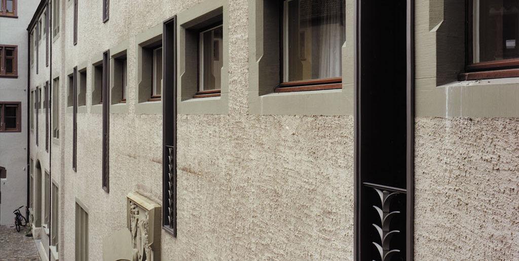Fenstergeländer Hotel Au Violon