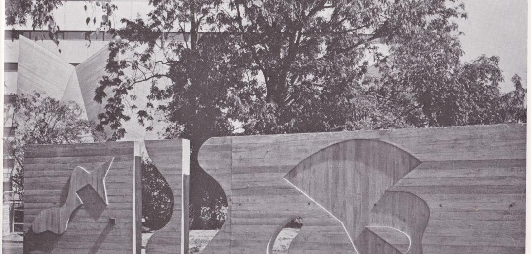 Wandrelief © Fotografie P. und E. Merkle, [s.d.], in: Der Neubau der Allgemeinen Gewerbeschule Basel. Festschrift zur Einweihung am 19.10.61, Allgemeine Gewerbeschule, Basel, 1961, o. S.